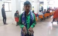 El ''hombre árbol'' de Bangladesh vuelve al hospital sin esperanzas de curación