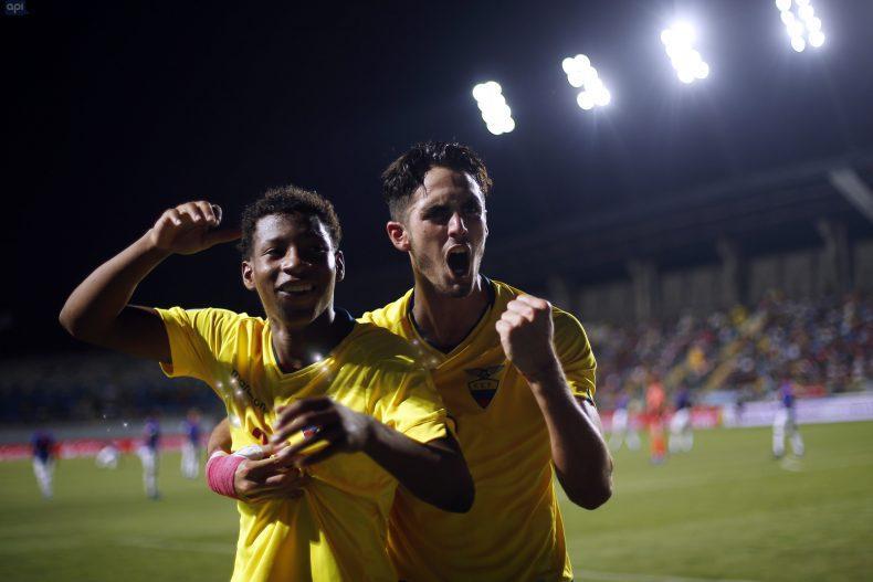 Ecuador quiere el pase al Mundial de Polonia, y Brasil seguir con vida