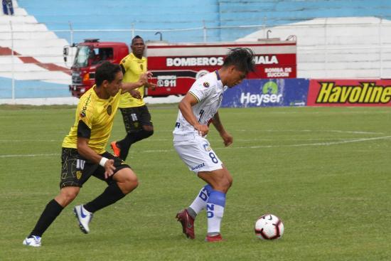 Delfín vence por 0-2 a Fuerza Amarilla en Machala