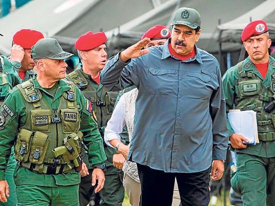 "Maduro saca ""las garras"""