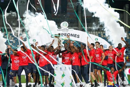Halagos y gratitud para la ''Mini Tri'' por coronarse campeón del Sudamericano