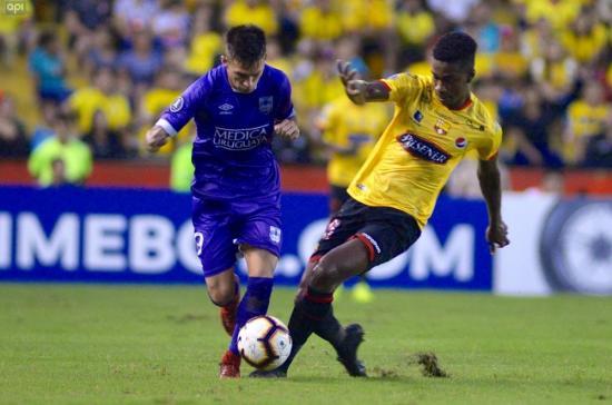 Barcelona gana los dos partidos a Defensor Sporting, pero es eliminado