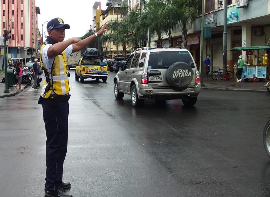 Agentes ya en las calles
