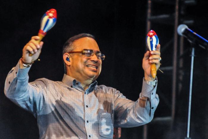 Gilberto Santa Rosa dice que Venezuela ''no está para fiesta''