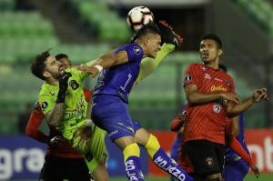 Caracas deja en el camino a Delfín; terminaron empatados sin goles