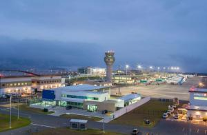 Plantean reducción de precios en pasajes aéreos dentro de Ecuador