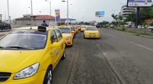 Se suspende el paro: alcalde de Manta y los dirigentes de los taxistas llegan a un acuerdo