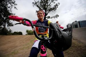 La lucha oculta de la ecuatoriana dos veces campeona mundial de bicicrós