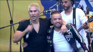 El emotivo reencuentro de Chyno y Nacho en el ''Venezuela Aid Live''