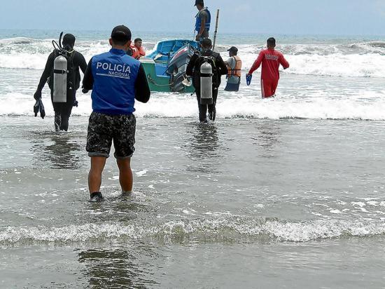Buscan en el mar el cadáver de ambateño