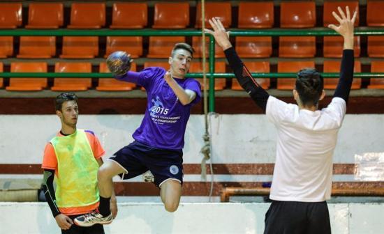 Ramiro, el joven sin mano izquierda que renunció al fútbol por el balonmano