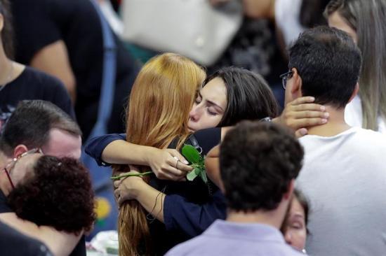 La matanza en una escuela atiza debate sobre armas en el Brasil de Bolsonaro