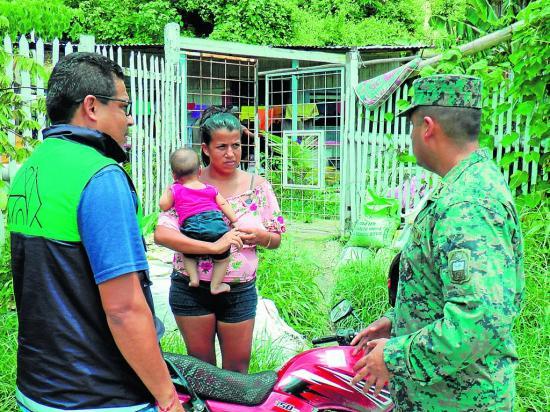 Estefania y 72 familias dejan zonas de riesgo