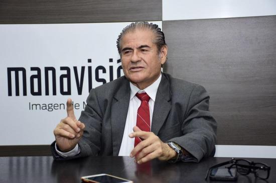Óscar Zambrano: 'Haría las gestiones para que el aeropuerto vuelva a funcionar en Portoviejo'