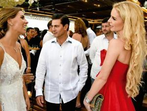 Peña Nieto aparece por primera vez en público con su nueva novia
