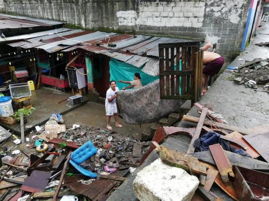 Se activa el COE cantonal tras fuertes lluvias e inundaciones en Santo Domingo
