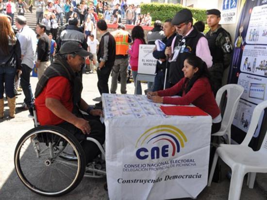 Prometen un buen servicio a las personas con discapacidad