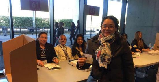 Elección ecuatoriana se celebra de forma 'exitosa' en España