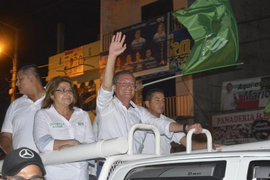 Agustín Casanova se declara alcalde reelecto de Portoviejo, el CNE aún no da resultados