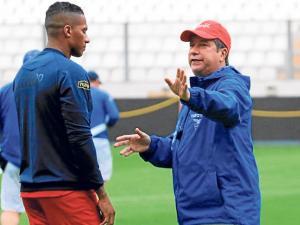 'El Bolillo' definió cinco cambios en la Selección de Ecuador