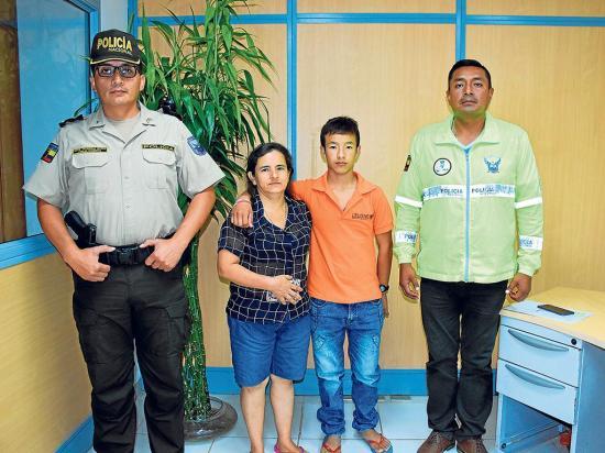 En Chone una madres encuentra a su hijo después de más de 2 años de busqueda