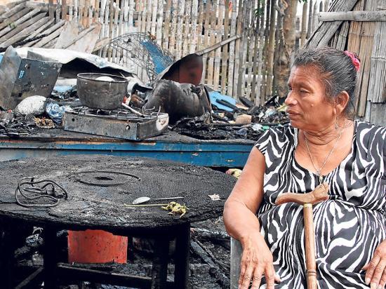 En Montecristi mujer de 50 años se salva de morir en llamas