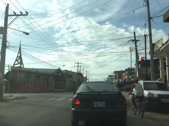Semáforos llevan tranquilidad al sector del asilo de ancianos
