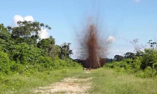 Catorce pistas clandestinas usadas para narcotráfico destruidas en Honduras