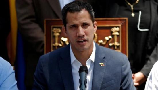 Contraloría de Venezuela inhabilita a Guaidó por 15 años