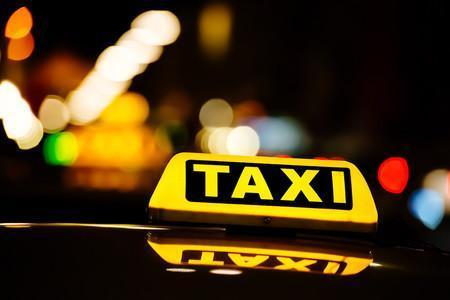 Manta: Una mujer da a luz dentro de un taxi camino al hospital