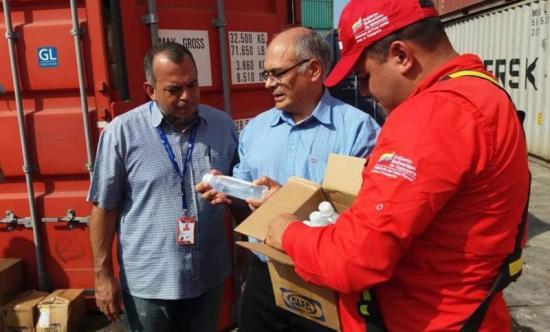 Llega a Venezuela un cargamento con fármacos y material médico desde China