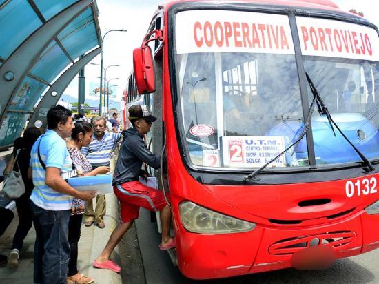 La Cooperativa de Buses Portoviejo quiere cobrar 10 centavos más en los pasajes