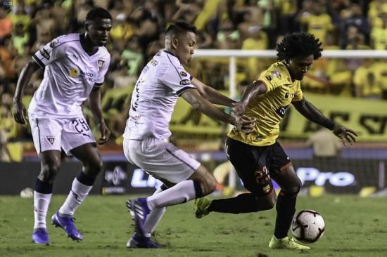 Barcelona y Liga de Quito empatan 1-1 en el Monumental