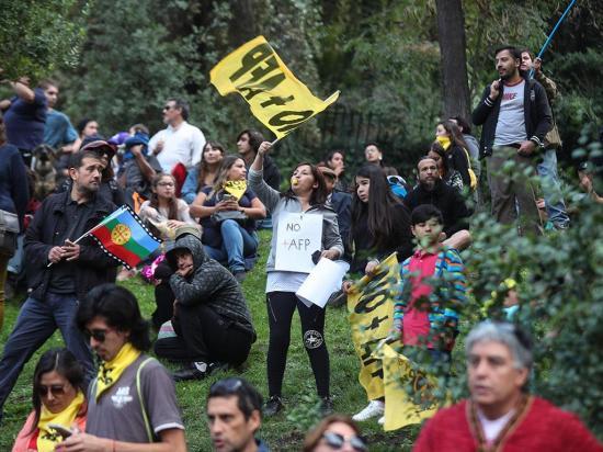 Piden aumento de las pensiones en Chile