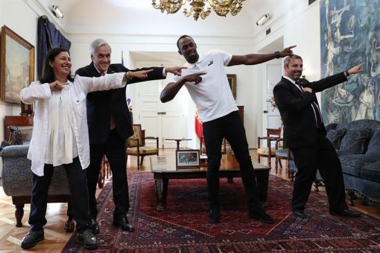 Bolt visita a Piñera en La Moneda en el marco de su viaje a Chile