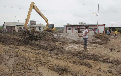 En Manabí 89 escuelas  rurales son afectadas por el lodo y agua