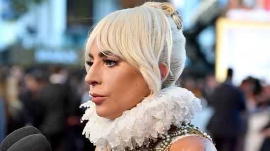 Singapur pone a Lady Gaga y Ariana Grande como ejemplos de lenguaje ofensivo