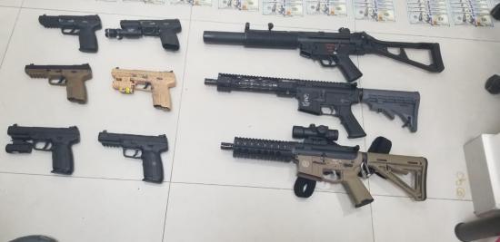 Detenidos en el operativo de la Refinería tenían armamento de uso militar