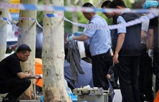 Al menos 2 menores mueren tras un ataque con cuchillo en una escuela en China
