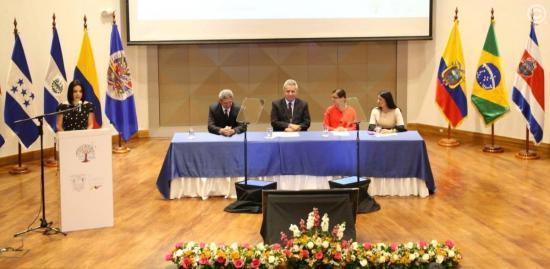 Ecuador anunció un ahorro de 450 millones en contratos públicos en 2018