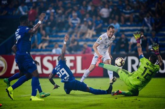 Emelec sigue sin conocer el triunfo en la Copa Libertadores; cayó 0-1 ante Cruzeiro