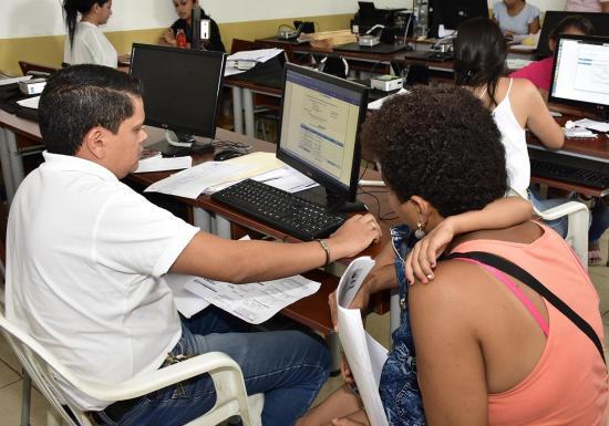 2600 estudiantes trasladados al sector fiscal en Portoviejo