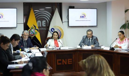 Consejo Electoral de Ecuador prórroga diez días la proclamación de resultados