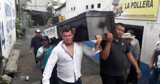 En el Guayas el cuerpo de un hombre fue velado en un prostíbulo