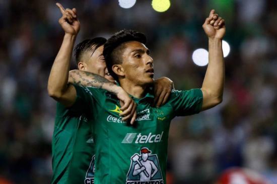El ecuatoriano Mena aspira al título de goleo, pero da prioridad a su equipo