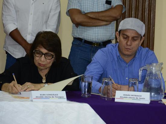 Alcaldes electos se reunen con el gerente general del BDE