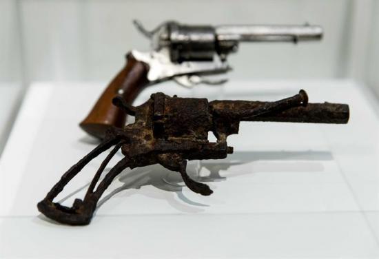 El revólver con el que se habría suicidado Van Gogh se subasta en Francia