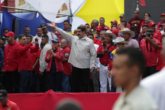 Maduro dice sistema eléctrico también fue ''atacado'' desde Chile y Colombia