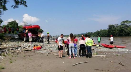 Pocas expectativas de hallar con vida a español arrastrado por río en Ecuador
