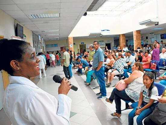 Vacunación, nutrición y enfermedades, temas por el Día de la Salud